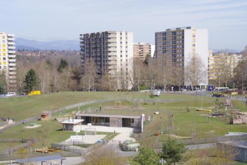vue large du terrain (1)